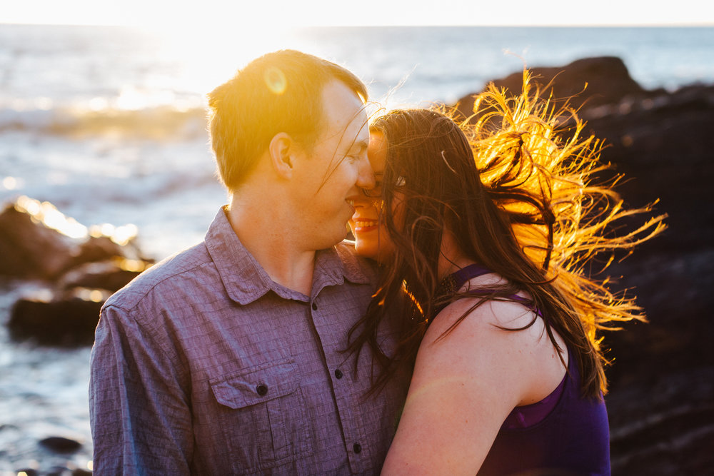 warm-sunset-engagement-session-09.jpg