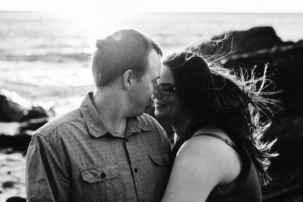 warm-sunset-engagement-session-10.jpg