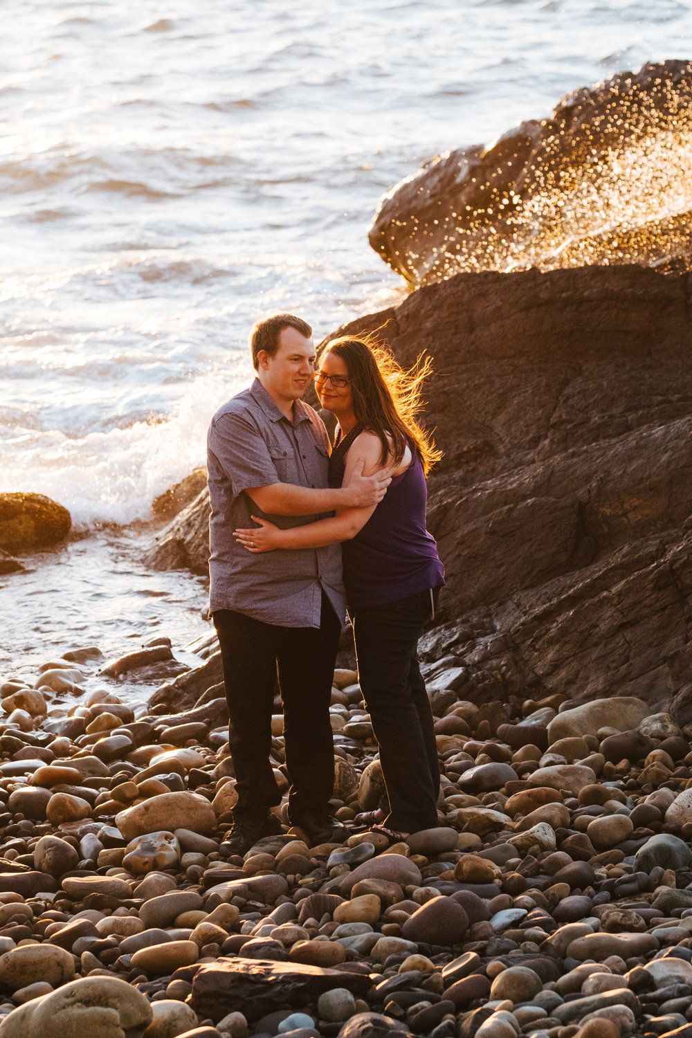 warm-sunset-engagement-session-11.jpg