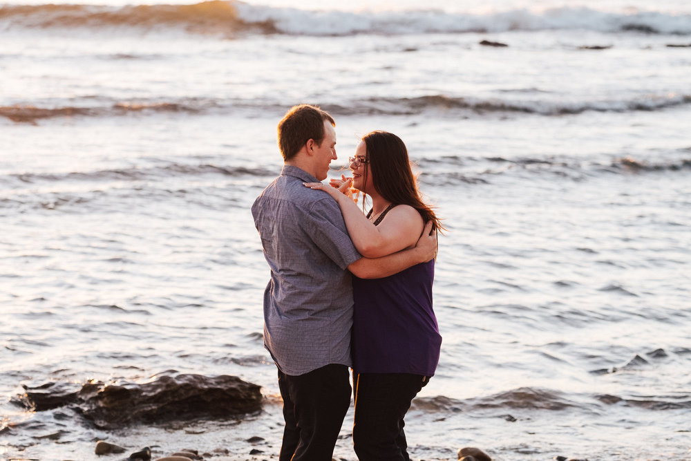 warm-sunset-engagement-session-16.jpg