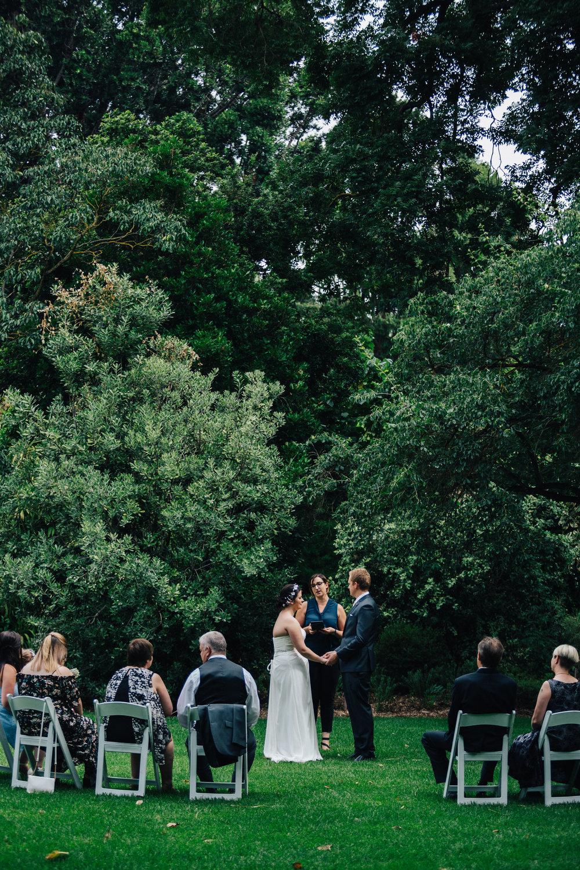 Adelaide Botanic Garden Elopement 020.jpg