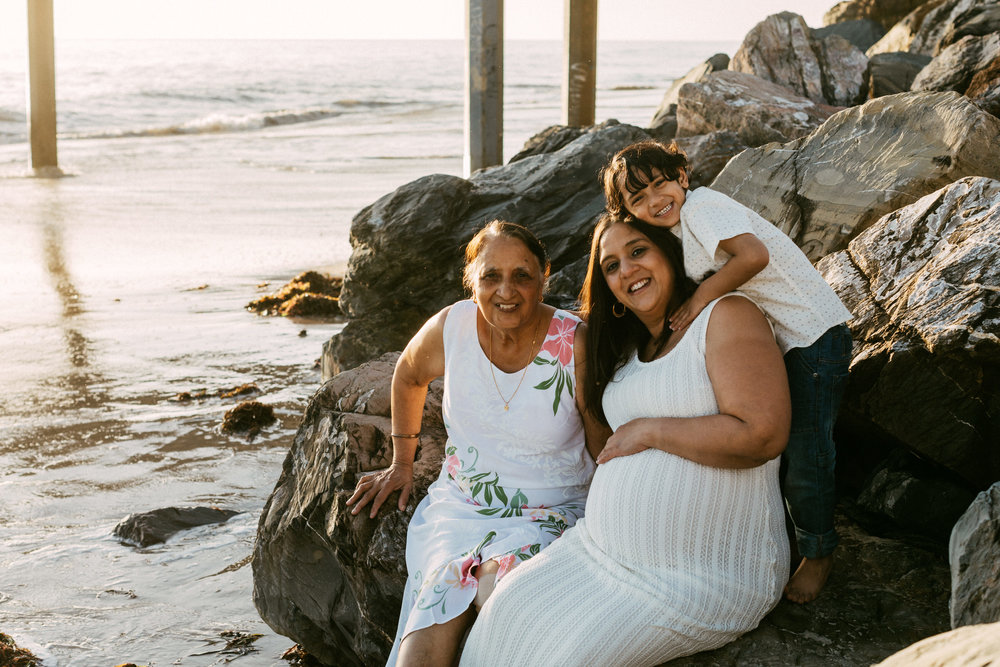 Beach Natural Maternity Portrait Session 025.jpg