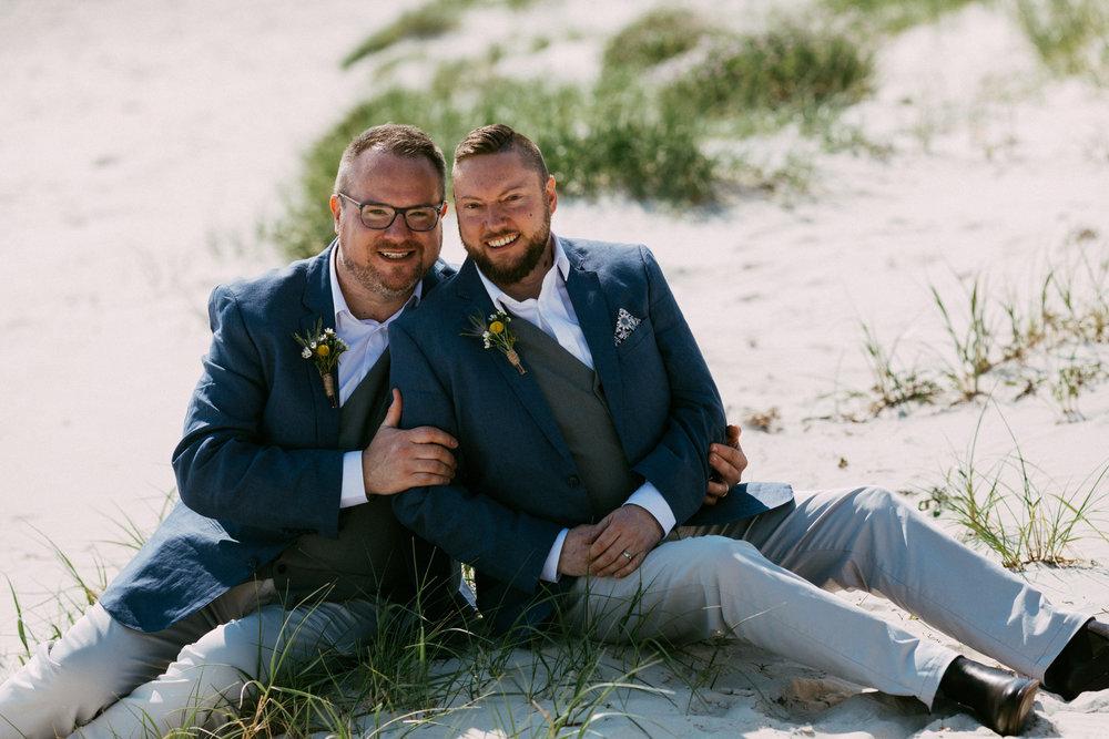 beautiful same sex beach wedding 083.jpg
