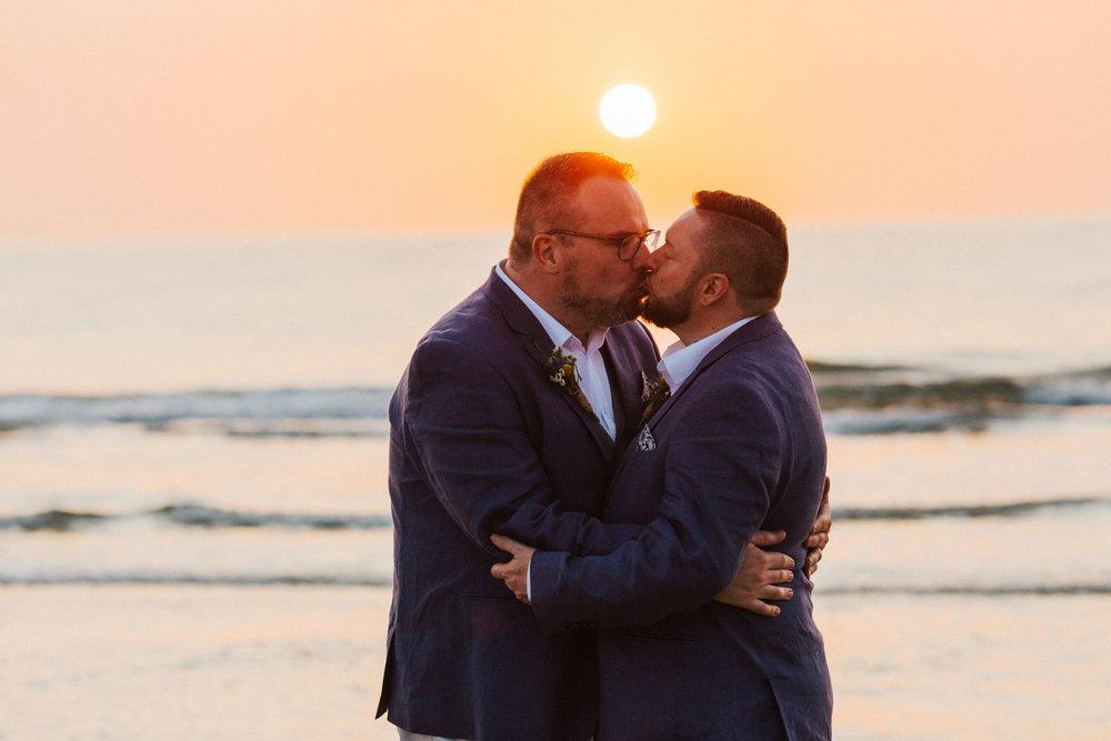 beautiful same sex beach wedding 162.jpg