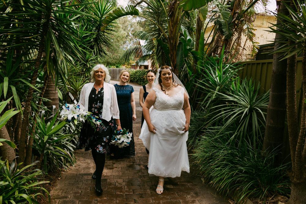 Adelaide Zoo Wedding in the Rain 030.jpg
