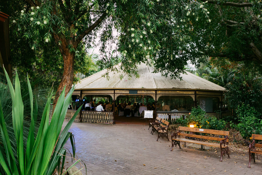 Adelaide Zoo Wedding in the Rain 084.jpg