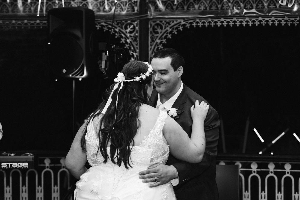 Adelaide Zoo Wedding in the Rain 123.jpg
