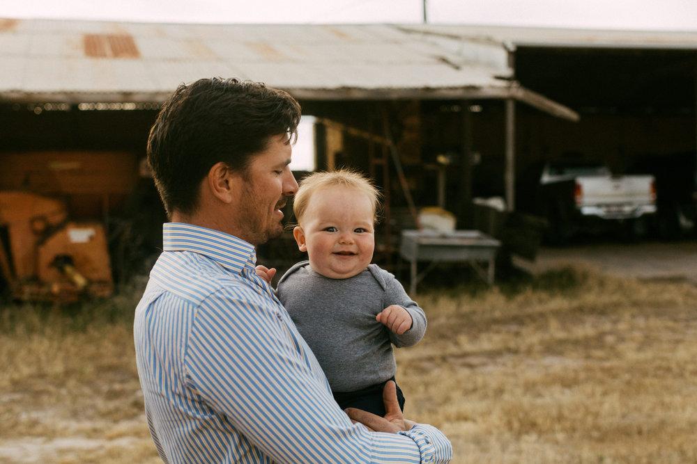 Natural Australian farm family portraits 008.JPG