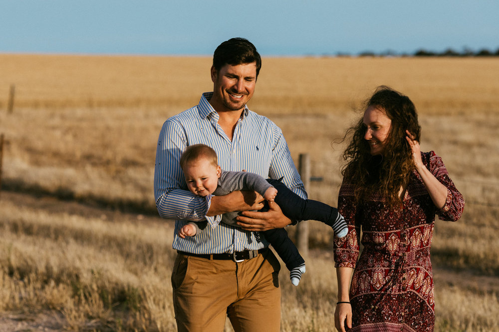 Natural Australian farm family portraits 018.JPG