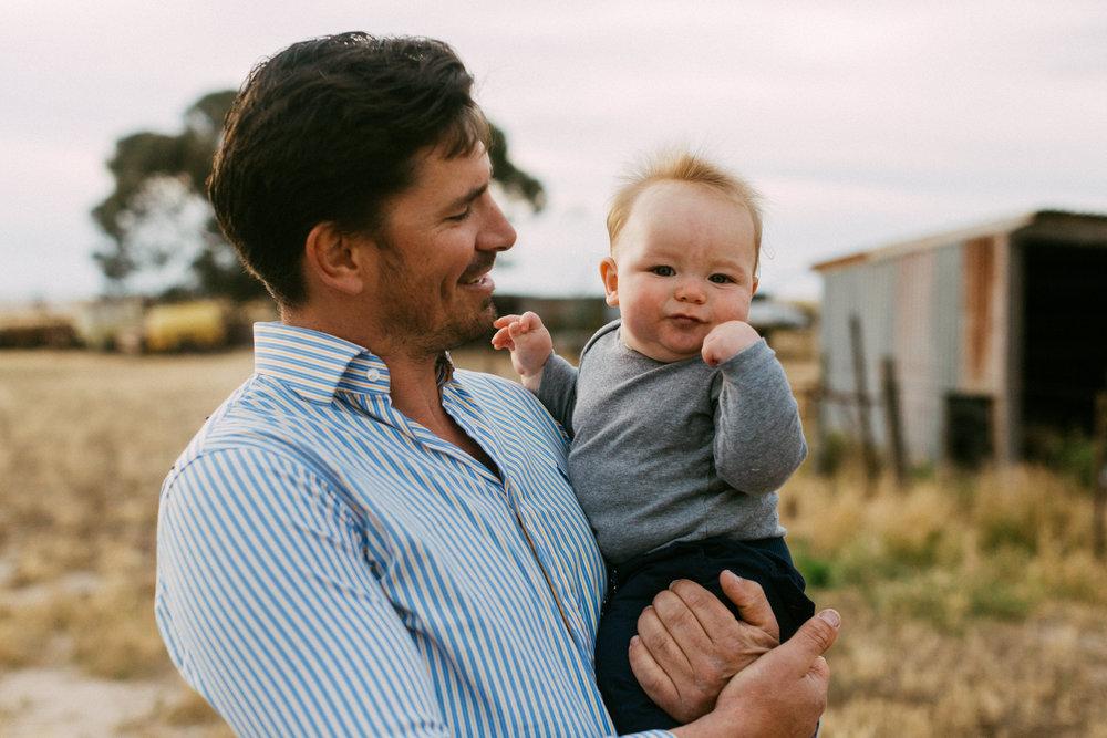 Natural Australian farm family portraits 025.JPG