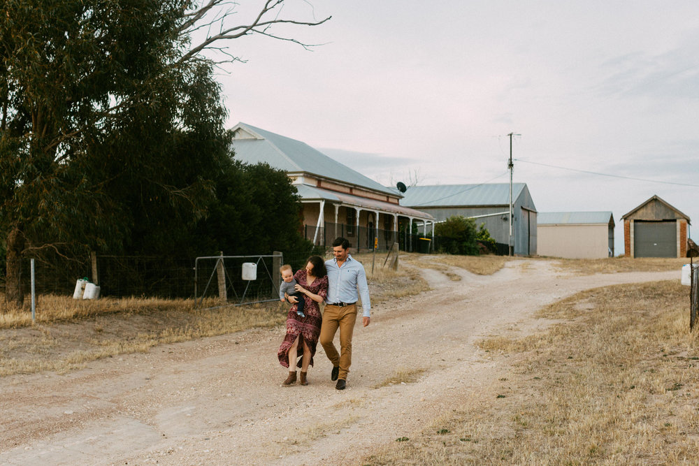 Natural Australian farm family portraits 029.JPG