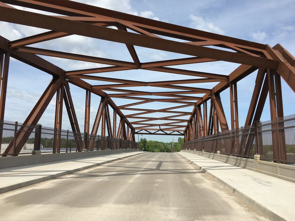 Minneapolis_bridge.jpg