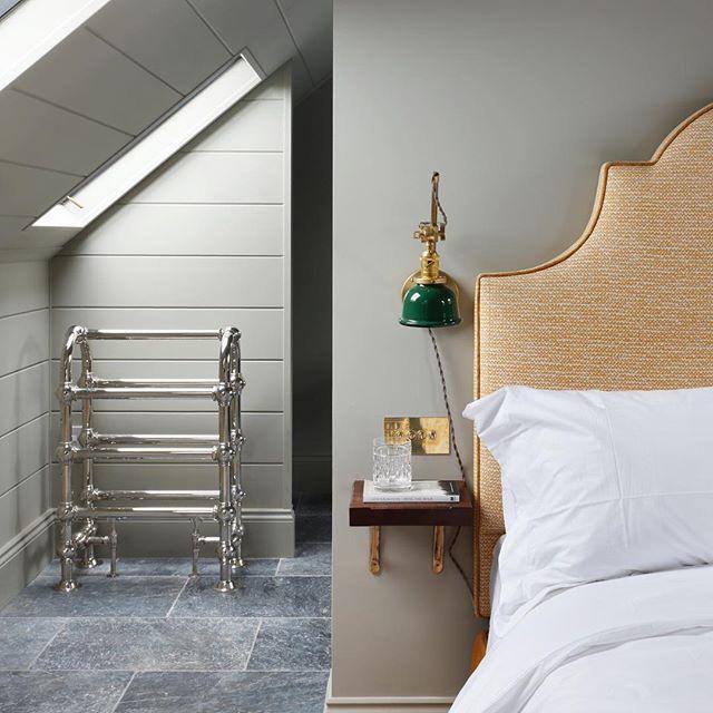 The guest room at our latest project #interiordesign #fermoie #tomhouseproperty #haminteriors #bedroominspo #classicinterior #eclecticinteriors @fermoie @haminteriors