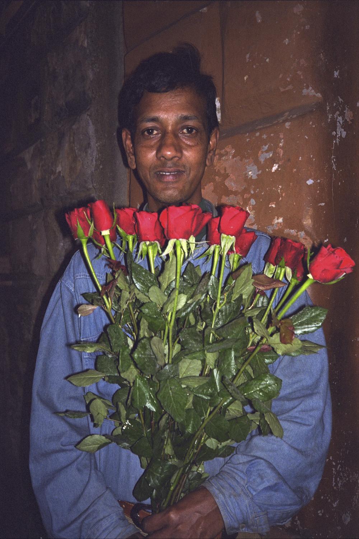 04 1998 Rose Sellers Rome.jpg