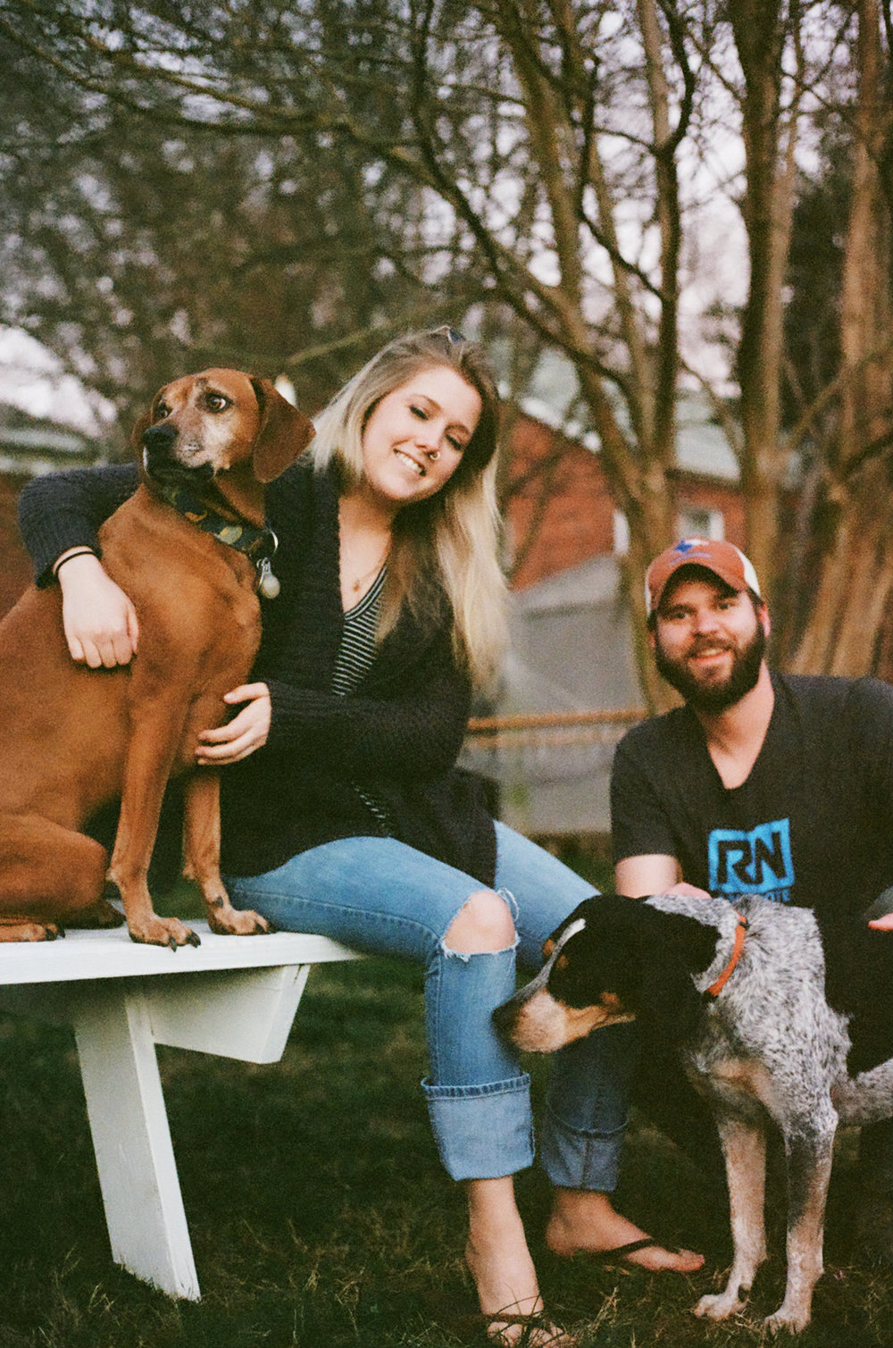 Charlotte-NC-dogs-coonhound-family