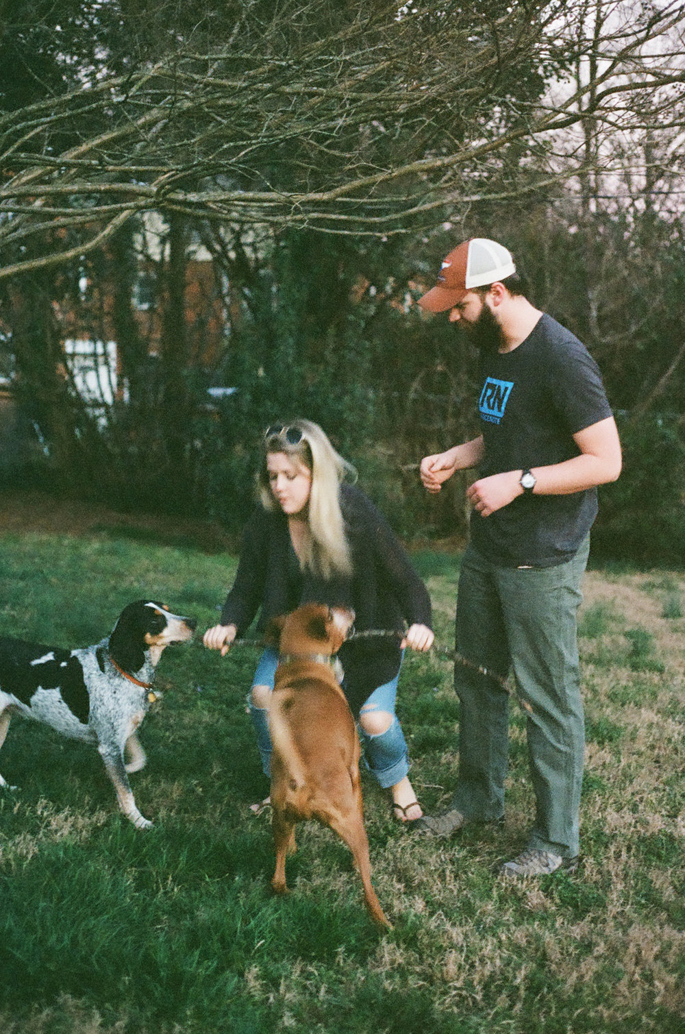 Charlotte-NC-family-coonhounds-tugowar
