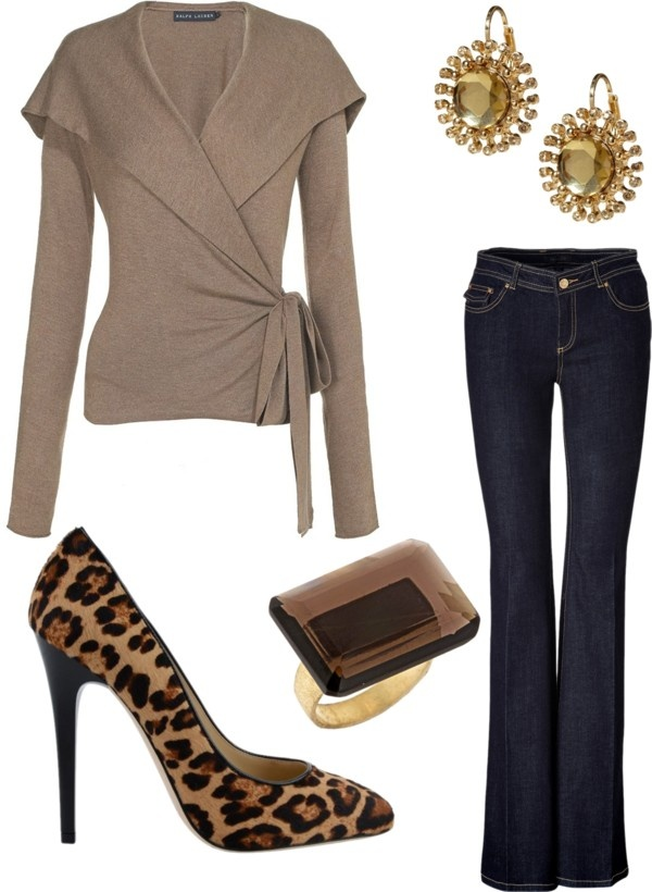 How to wear flare leg jeans. So flattering!