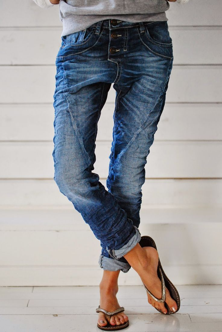 How to wear boyfriend jeans. source: pinterest.com via biskopsgarden.blogspot.nl