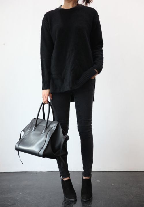 how to wear a black sweater with black skinny pants, black ankle boots and the perfect tote