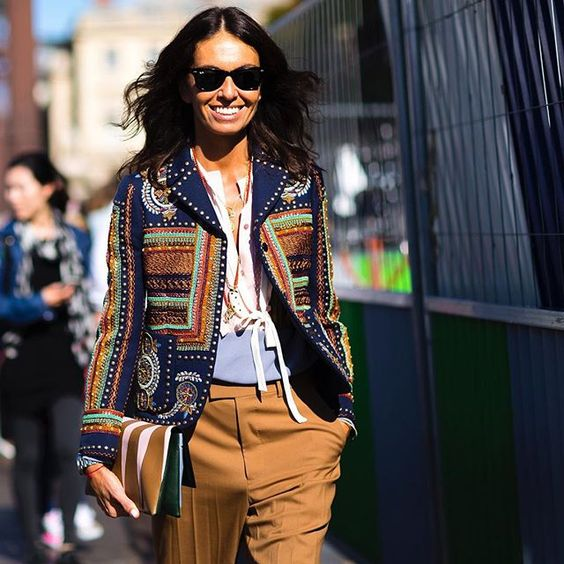 how to wear a printed embellished jacket and wayfarers for daytime