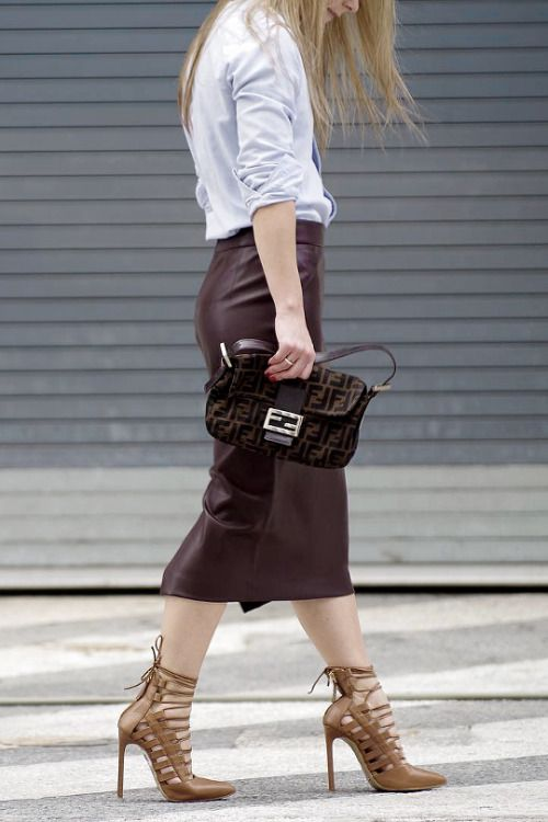 how to wear a chambray shirt, leather pencil skirt, fendi shoulder bag and lace up neutral pump
