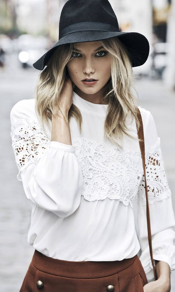 how to wear a panama hat and white lace blouse