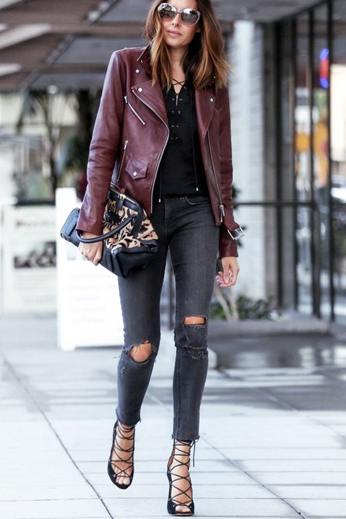 How to style burgundy skinny jeans