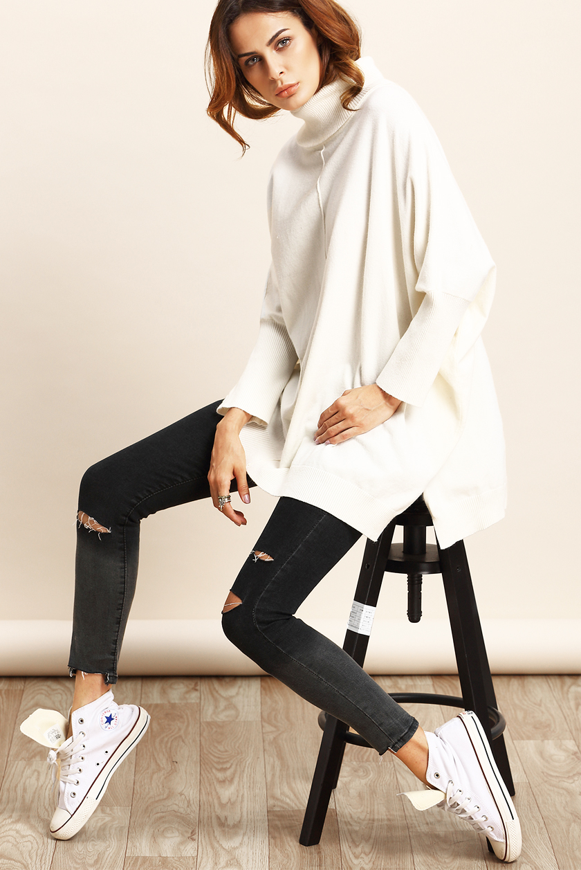 What To Wear This Weekend Oversize Sweater Skinny Jeans High Tops
