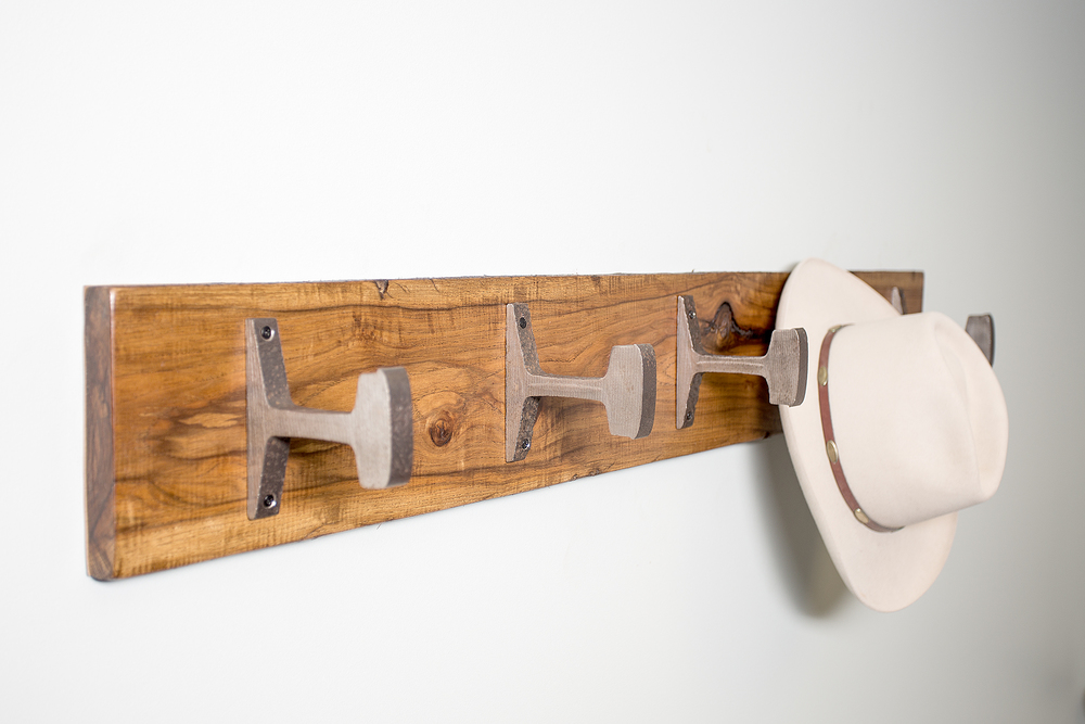 stetson-cowboy-hat-rack-timber-hardwood-knot-organic-metal-unique.jpg