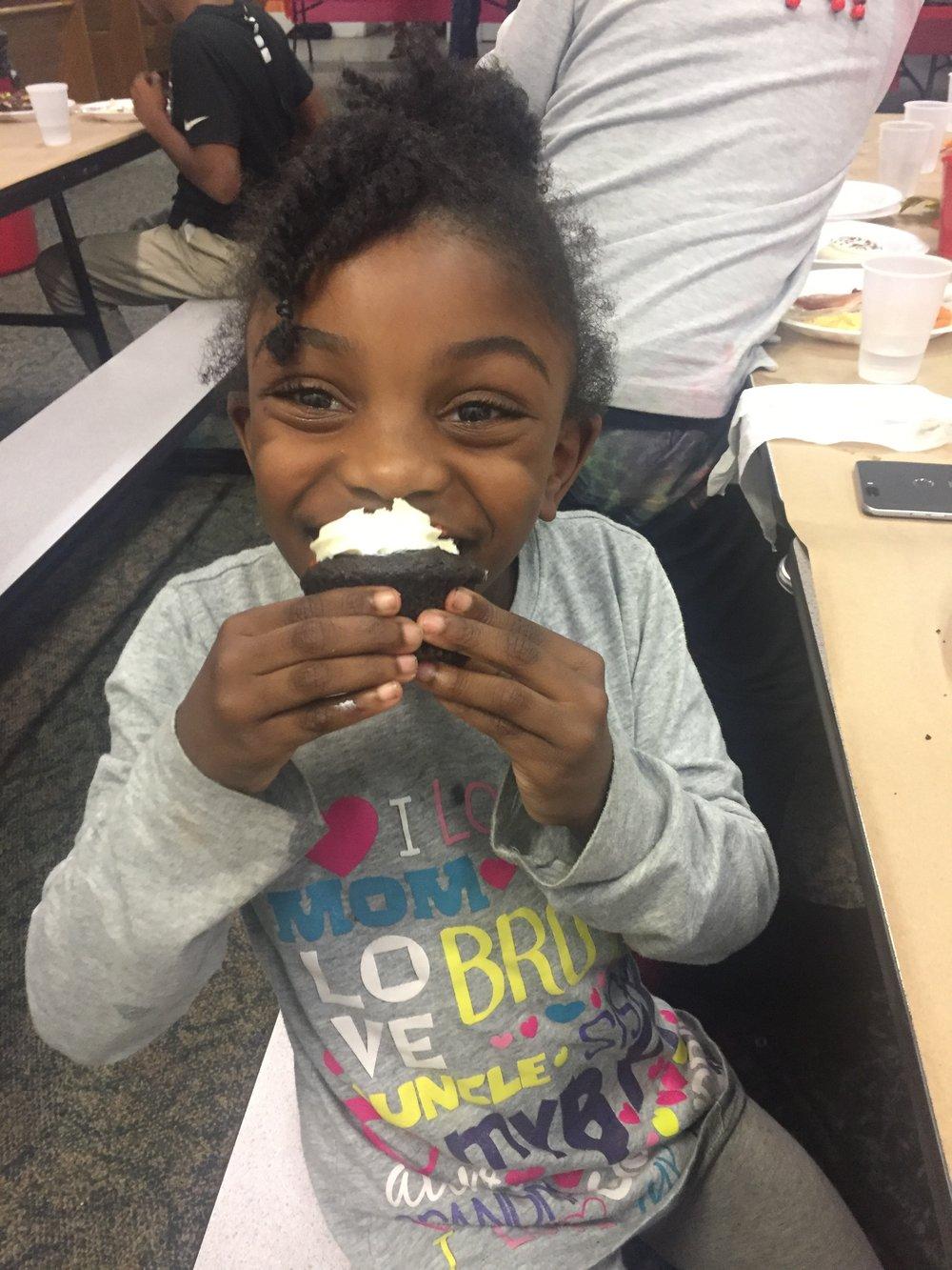 girl cupcake.JPG