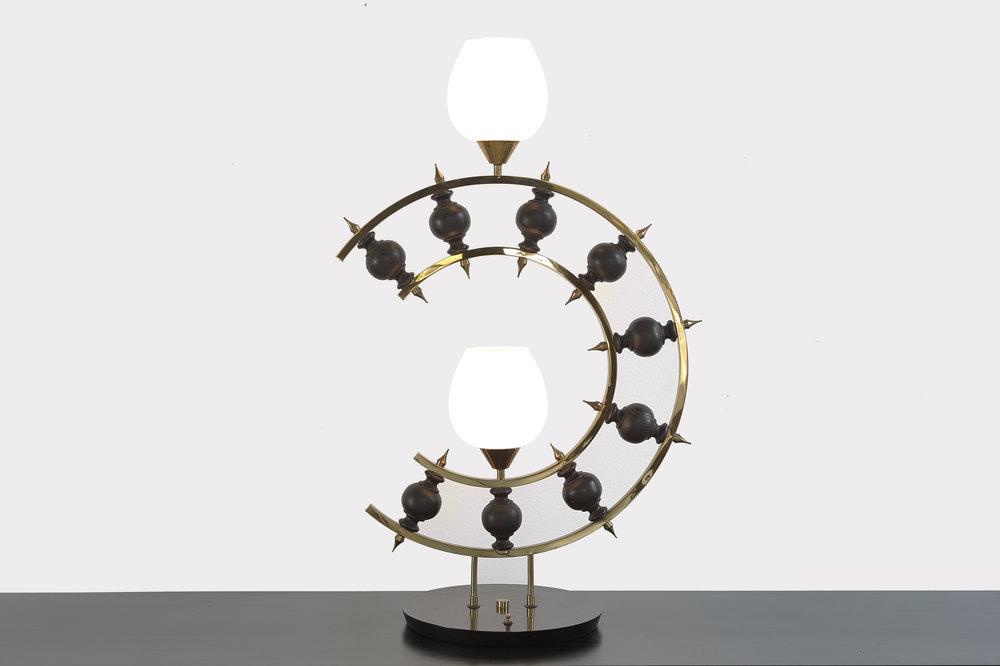 Laurel Brutalist Lamp