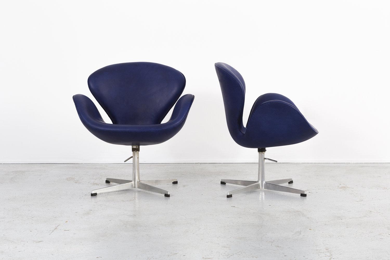 set of arne jacobsen swan chairs matthew rachman gallery