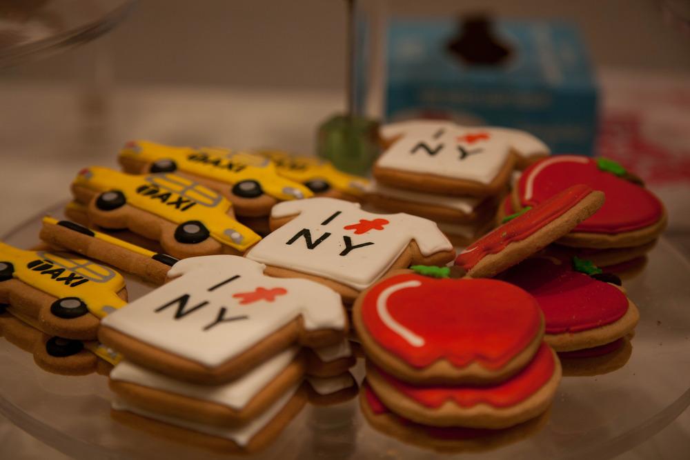 Elenis_new_york_cookies