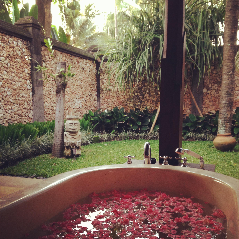 bali outdoor bath villa maridadi