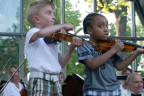 violinstudentsonstage.jpg