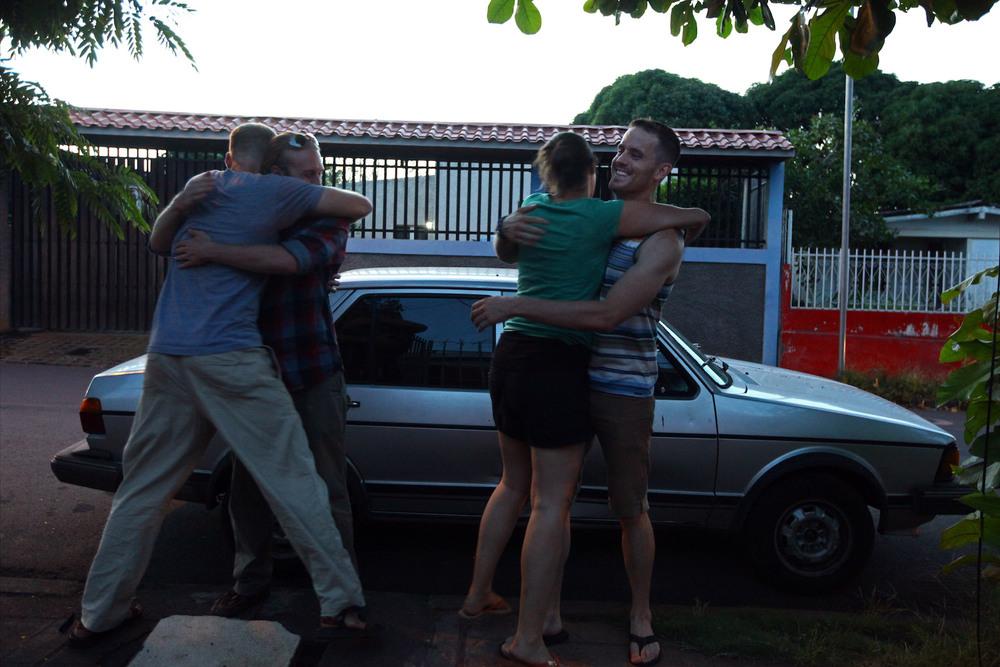 SMR Founder Richard and Volunteer Amanda welcome the boys home!