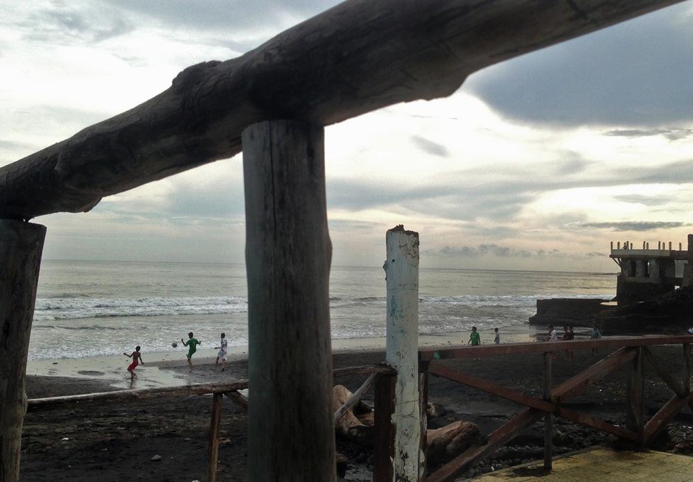 el-salvador-beach-03.jpeg