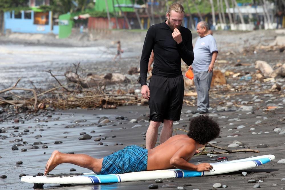 el-salvador-surfing-02.jpeg
