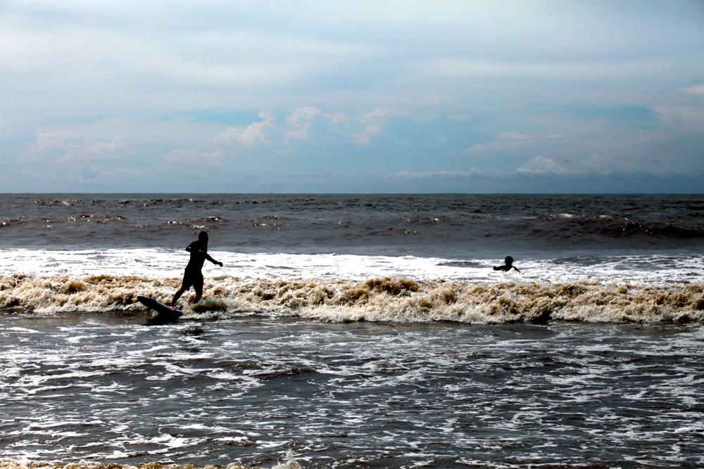 el-salvador-surfing-05.jpeg