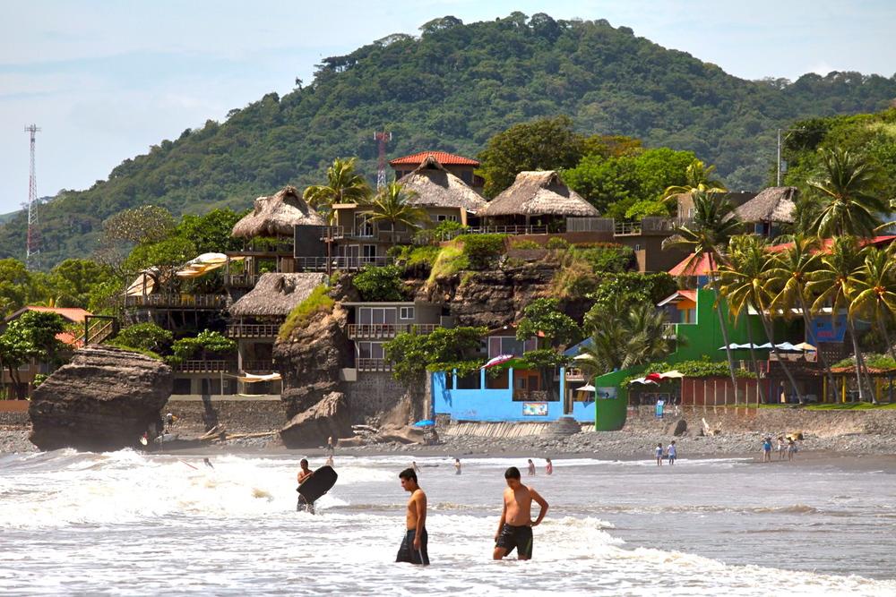 el-salvador-surfing-08.jpeg