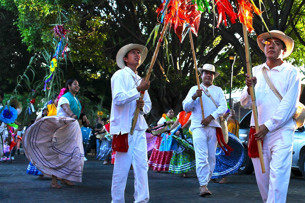 19 day11-oaxaca-festival-05.jpg