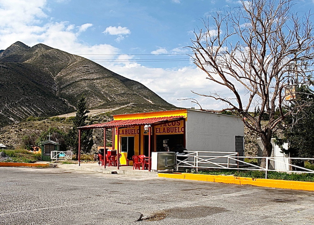 Road side restaraunt on the way to San Juan del Rio