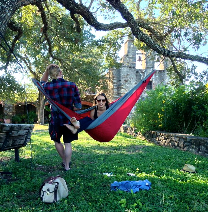 Eli and Amanda... STILL hangin' out in San Antonio