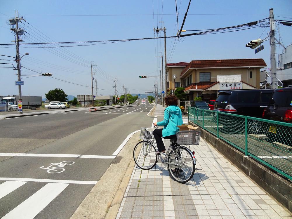 Ash on bike.jpg
