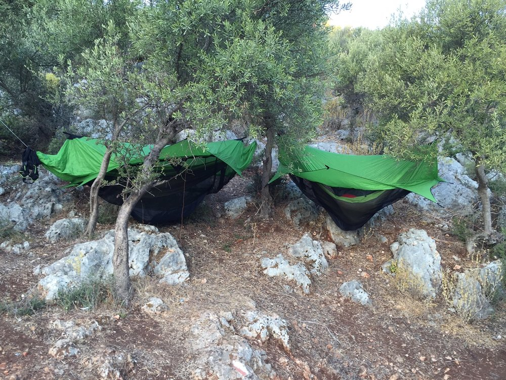 Faced with a rocky terrain, Soner and Bekir had no trouble finding a prime spot to camp in their Nubés.