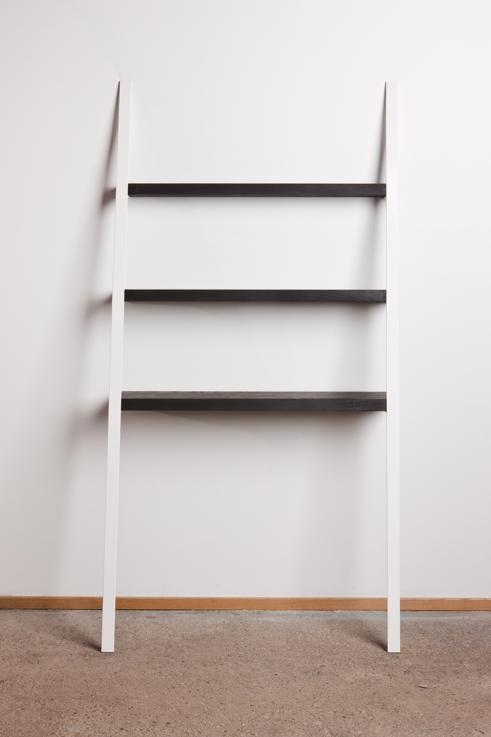 White leaning bookcase decorating with leaning ladder for Furniture of america nara contemporary 6 shelf tiered open bookcase