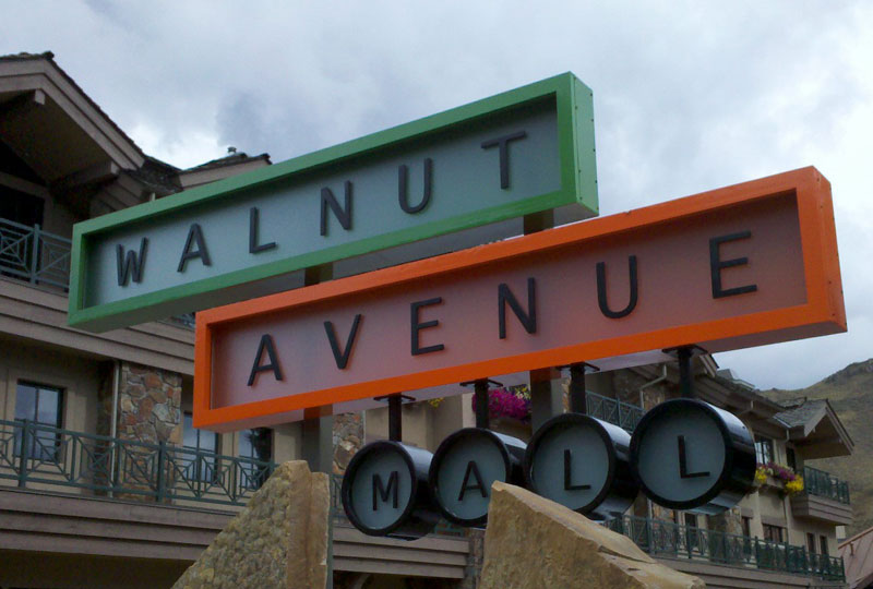 Walnut Ave. Sign Image