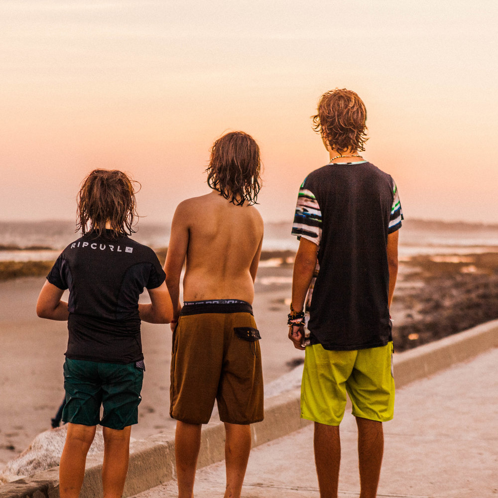 HKIRN_higgins_surfer guys-0273.jpg