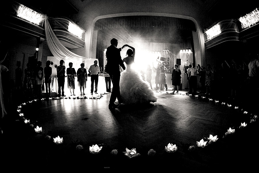 picking the perfect first dance song the evening ambassador