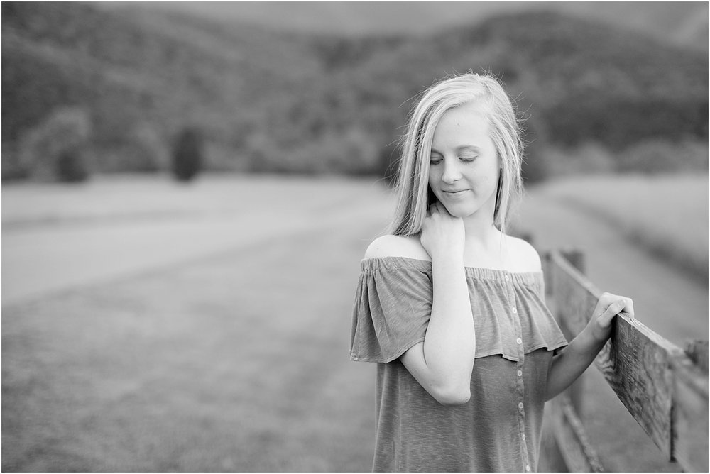 Gabby's Roanoke Virginia Senior Session_0064.jpg